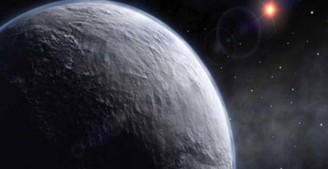 علماء يرصدون كوكبا تسقط أمطاره من الحديد