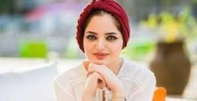 بالصورة…الكاتبة العراقية الشابة الحاصلة على جوائز عالمية تعايد الامهات بتغريدة على تويتر وتعلن بها عن رويتها الجديدة(فوق جسر الجمهورية)