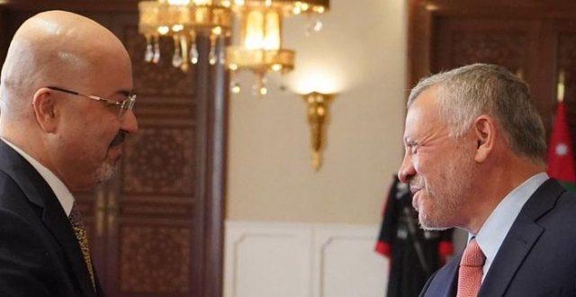بالصورة …تغريدة السفير العراقي في الاردن وهو مهتم بصحة الجالية العراقية هناك