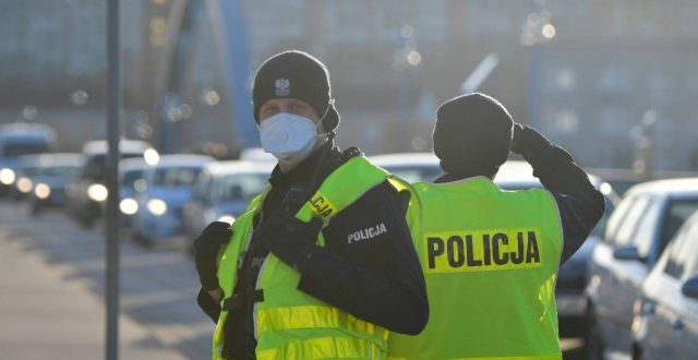 المانيا تباشر بغلق حدودها جزئيا مع 5 دول بسبب وباء كورونا