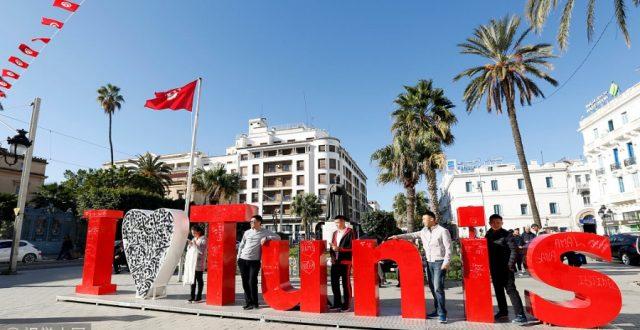 تونس تعلن فتح حدودها البرية والبحرية والجوية
