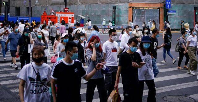 الصين تختبر علاجا جديدا ضد كورونا وتتعهد بجعله منفعة للعالم