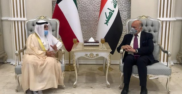 في زيارة رسمية.. وزير الخارجية الكويتي يصل إلى بغداد