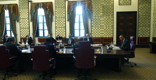 رئيس مجلس الوزراء : سوء النظام الإداري عرقل العديد من المشاريع، ونعمل جاهدين على إصلاحه .