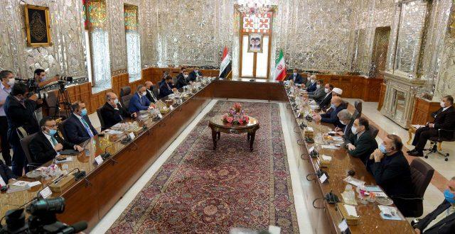 ضمن زيارته لإيران.. الكاظمي يلتقي رئيس مجلس الشورى الإيراني