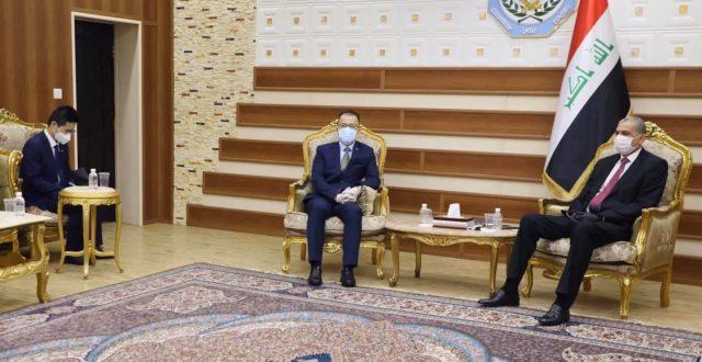 وزير الداخلية يلتقي السفير الصيني في بغداد.
