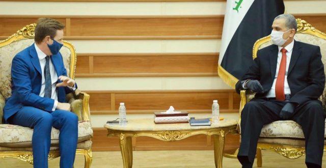 وزير الداخلية يلتقي السفير البريطاني في العراق
