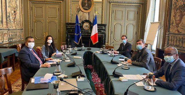 محافظ البنك المركزي يلتقي نظيره الفرنسي