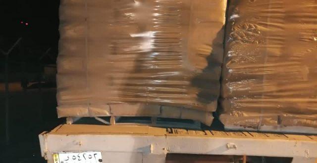 المنافذ تضبط 3 عجلات محملة بضاعة بدون علامة تجارية في منفذ زرباطية الحدودي