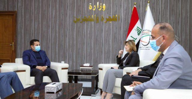 وزيرة الهجرة تعلن إغلاق 15 مخيماً وعودة 100 عائلة نازحة لمناطقها يومياً