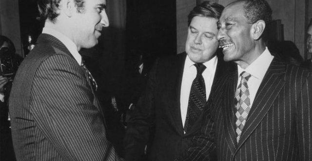 """صورة قديمة لـ """"جو بايدن"""" مع الرئيس المصري """"السادات"""" قبل 41 عاماً"""