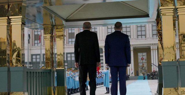 بالصور ..مراسم استقبال رسمية لرئيس مجلس الوزراء السيد مصطفى الكاظمي في تركيا