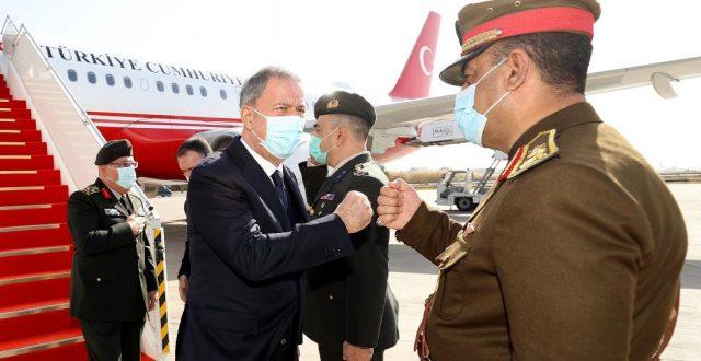 وزير الدفاع التركي ورئيس الأركان يصلان إلى بغداد في زيارة رسمية