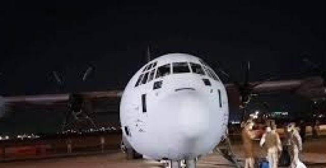 """وصلت فجر اليوم.. أولى شحنات لقاح كورونا تحط في مطار بغداد الدولي """"صورة"""""""