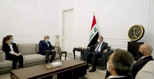 الكاظمي يستقبل السفير الفرنسي لدى العراق
