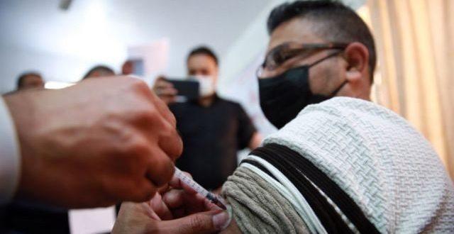 وزارة الصحة تضع التلقيح شرطاً للسفر وفتح المولات والمحال والمطاعم