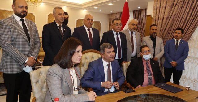 الاستثمار الوطنية توقع العقود الخاصة بتوليد الطاقة البديلة في العراق