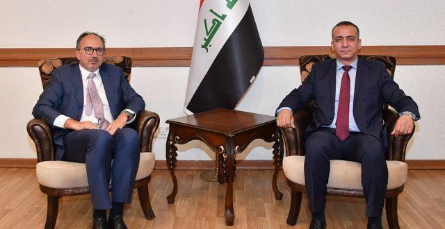 معاون رئيس دائرة أوروبا يلتقي القائم بالأعمال الهولندي في العراق