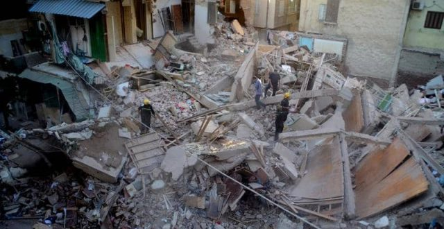 اصابة 4 اشخاص بانهيار مبنى في مصر