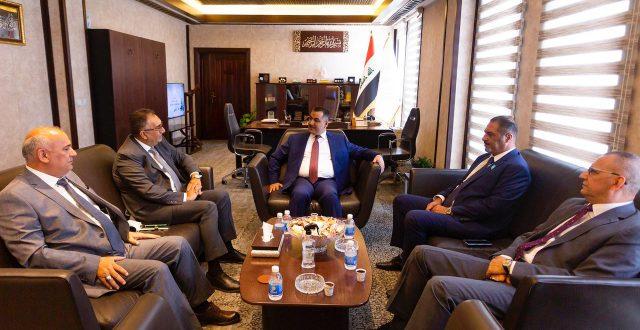 التقى محافظ البنك المركزي العراقي بعدد من الشخصيات المالية والاقتصادية