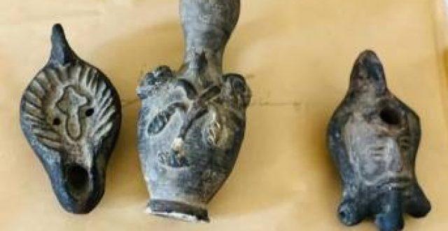 مواطن يسلم متحف الناصرية الحضاري 3 قطع آثارية نادرة