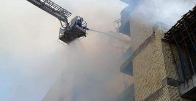 الدفاع المدني تخمد حريق اندلع داخل بناية قيد الانشاء في بغداد