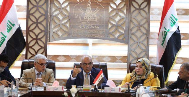 وزير التعليم يجدد دعوته لاستقلالية الجامعات وتطوير ادائها الاكاديمي
