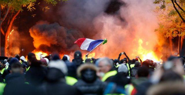 فرنسا ..احتجاجات ضد إجراءات أعلنها ماكرون