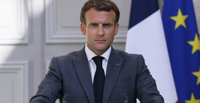 فرنسا تعلن تقليص عدد قواتها في الساحل الافريقي