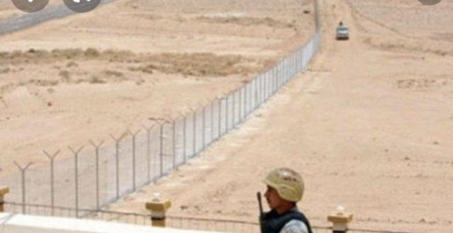 عاجل.. هجوم بطائرة مسيرة مفخخة الان على قاعدة حقل العمر النفطية القريبة من الحدود العراقية السورية