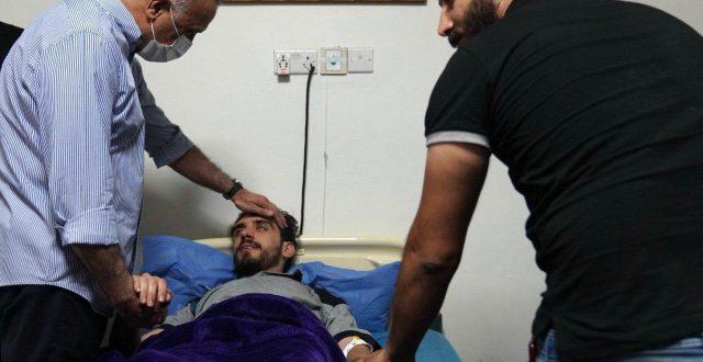 الكاظمي يطمئن على صحة الصحفي والناشط علي المگدام في احدى مستشفيات بغداد