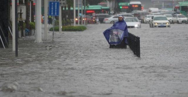 ارتفاع اعداد ضحايا فيضانات الصين الى اكثر من 300