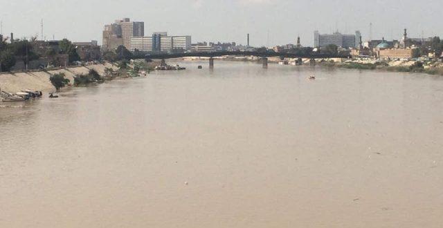اطلاق حملة كبرى لكري وتنظيف نهر دجلة في العاصمة بغداد