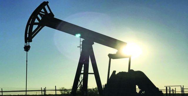 أسعار النفط تتخطى حاجز الـ77 دولاراً للبرميل