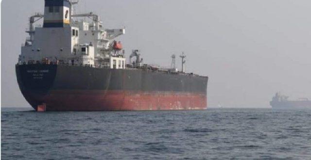 ناقلة إيرانية..تفرغ 33 ألف طن محروقات في سوريا على أن تنقل لاحقا للبنان بالشاحنات