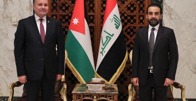 الحلبوسي يستقبل نظيره الأردني والوفد المرافق له في مطار بغداد الدولي