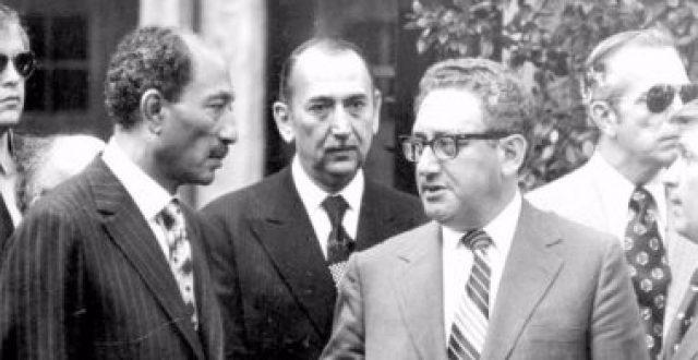 السفير معصوم مرزوق يكتب كيسنجر سارق الفرح !
