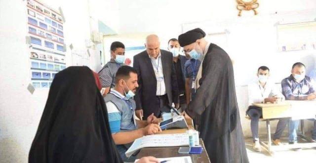 وكيل المرجعية الدينية السيد الصافي يُدلي بصوته في الانتخابات البرلمانية